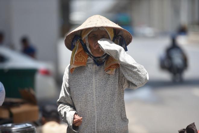 Hà Nội: Mát lòng trà chanh đá miễn phí giữa ngày nắng đỉnh điểm - 23