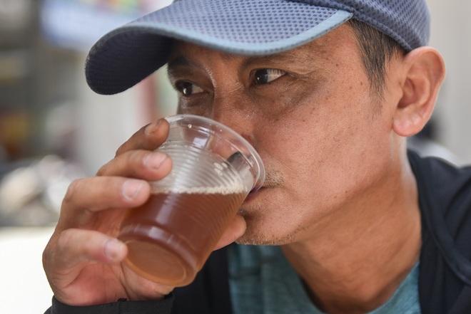 Hà Nội: Mát lòng trà chanh đá miễn phí giữa ngày nắng đỉnh điểm - 20