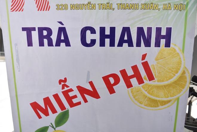 Hà Nội: Mát lòng trà chanh đá miễn phí giữa ngày nắng đỉnh điểm - 15