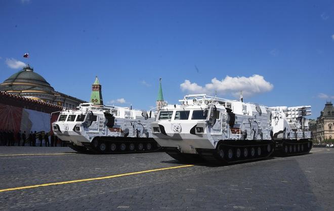 Mãn nhãn dàn khí tài khủng của Nga trong lễ duyệt binh - 17