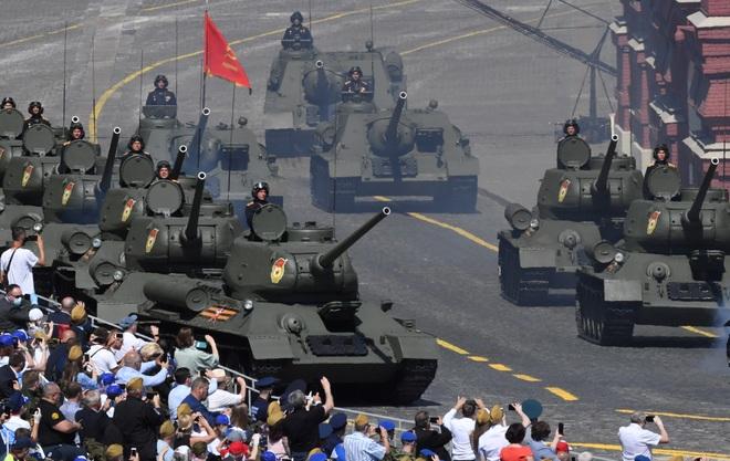 Mãn nhãn dàn khí tài khủng của Nga trong lễ duyệt binh - 10
