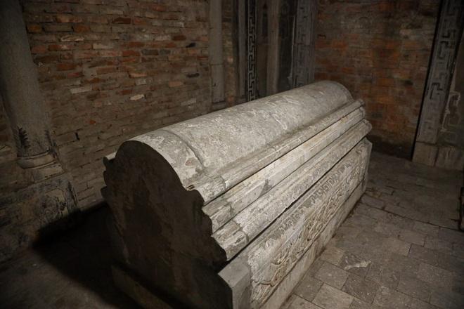 Lăng mộ đá cổ 100 tuổi giữa lòng Hà Nội - 12