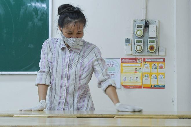 Các trường THPT được khử khuẩn trước kỳ thi tốt nghiệp THPT - 3