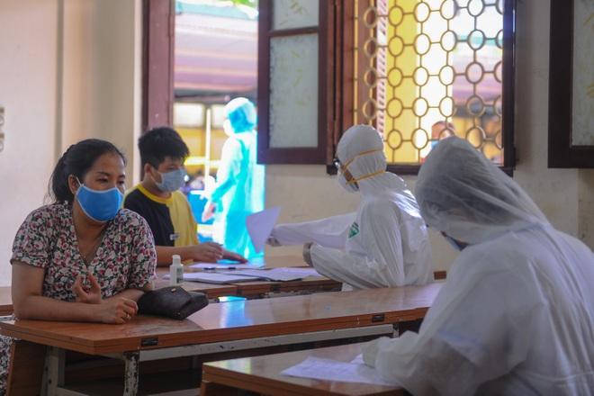 Hà Nội: Ngày đầu xét nghiệm PCR cho người trở về từ vùng dịch Đà Nẵng - 11