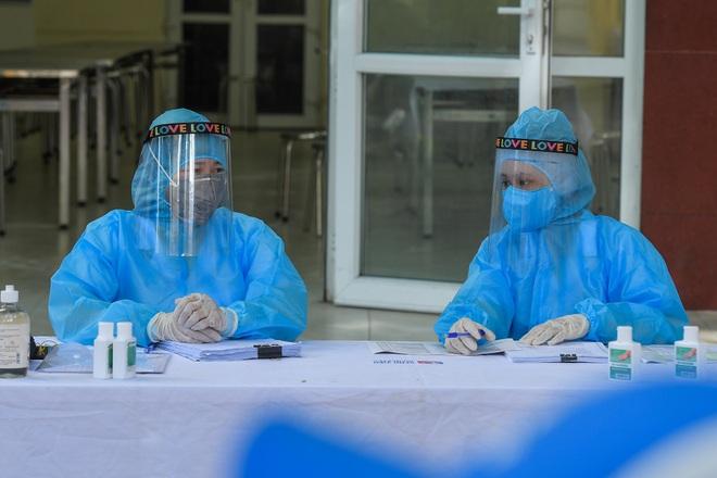 Hà Nội: Ngày đầu xét nghiệm PCR cho người trở về từ vùng dịch Đà Nẵng - 10