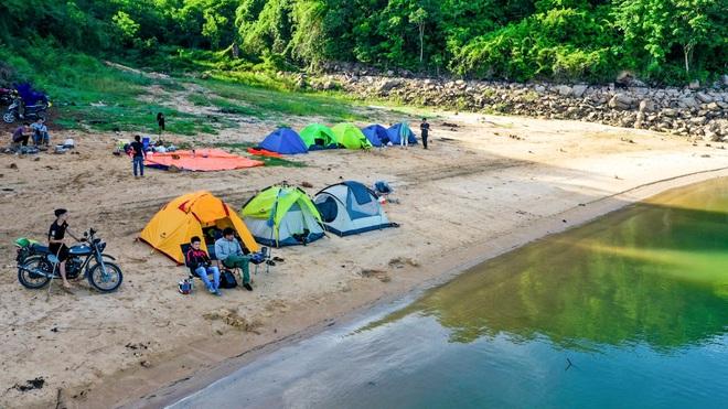 Đẹp đến nao lòng hồ nước nhân tạo lớn nhất Việt Nam - 7