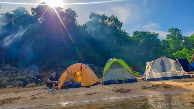 Đẹp đến nao lòng hồ nước nhân tạo lớn nhất Việt Nam - 6