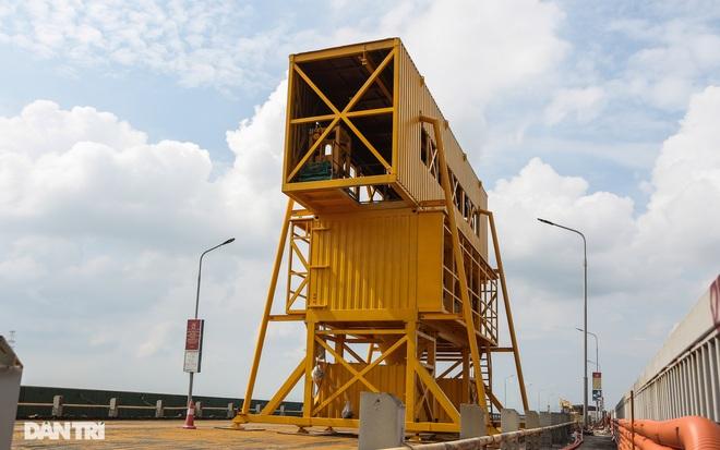 Cận cảnh đại công trường sửa chữa mặt cầu Thăng Long - 10