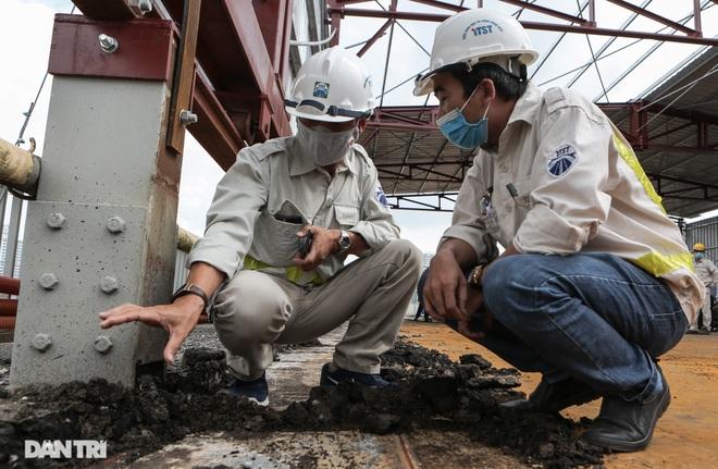 Cận cảnh đại công trường sửa chữa mặt cầu Thăng Long - 3