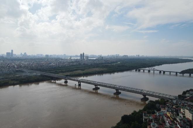 Hà Nội: Nhìn từ trên cao cây cầu huyết mạch đang được kiến nghị sửa chữa - 13