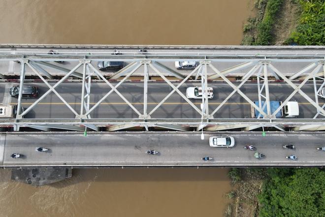 Hà Nội: Nhìn từ trên cao cây cầu huyết mạch đang được kiến nghị sửa chữa - 15