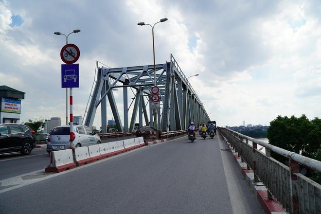 Hà Nội: Nhìn từ trên cao cây cầu huyết mạch đang được kiến nghị sửa chữa - 9