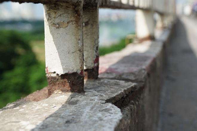 Hà Nội: Nhìn từ trên cao cây cầu huyết mạch đang được kiến nghị sửa chữa - 12