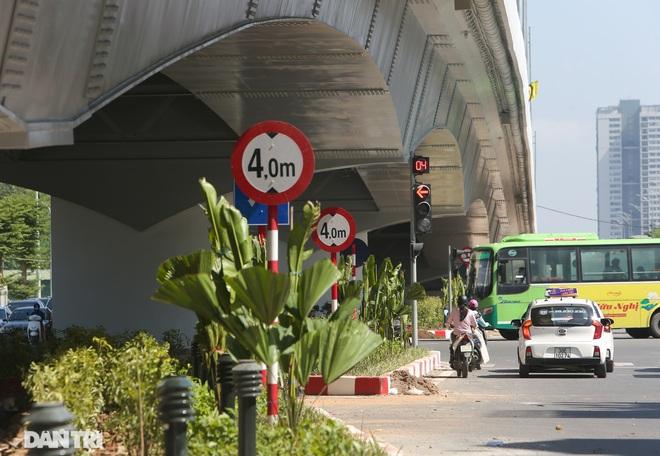 Diện mạo cây cầu vượt quy mô lớn nhất Hà Nội sẽ khánh thành vào ngày 28/8 - 12