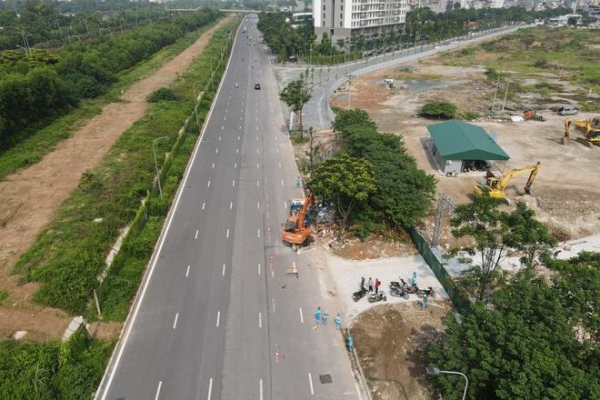 Dọn gần 200 tấn rác thải dọc đại lộ Thăng Long sau phản ánh của báo Dân trí - 5