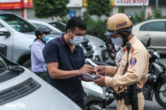 Hà Nội: Chim mồi bám CSGT và cú điện thoại mật báo tới nhà xe - 4