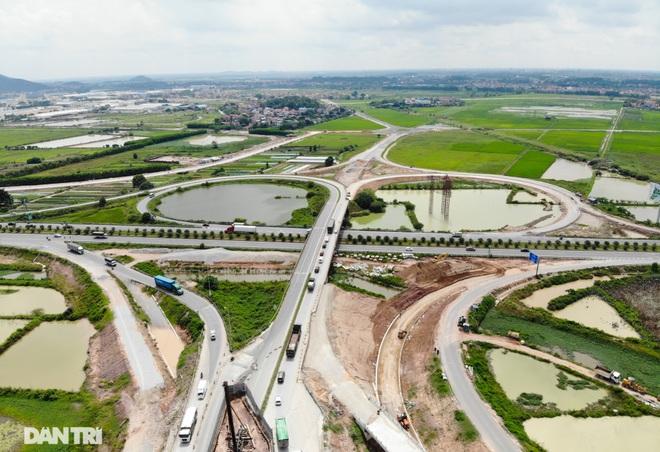 """Cận cảnh hầm chui """"trăm tỷ đồng"""" tại nút giao cao tốc Hà Nội – Bắc Giang - 3"""