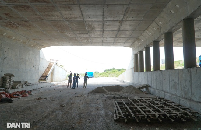 """Cận cảnh hầm chui """"trăm tỷ đồng"""" tại nút giao cao tốc Hà Nội – Bắc Giang - 7"""