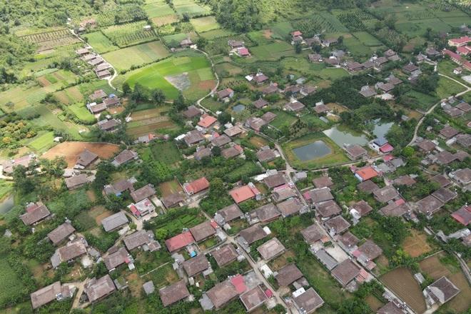 Khám phá ngôi làng có hơn 400 nóc nhà sàn tại thung lũng mây Bắc Sơn - 9