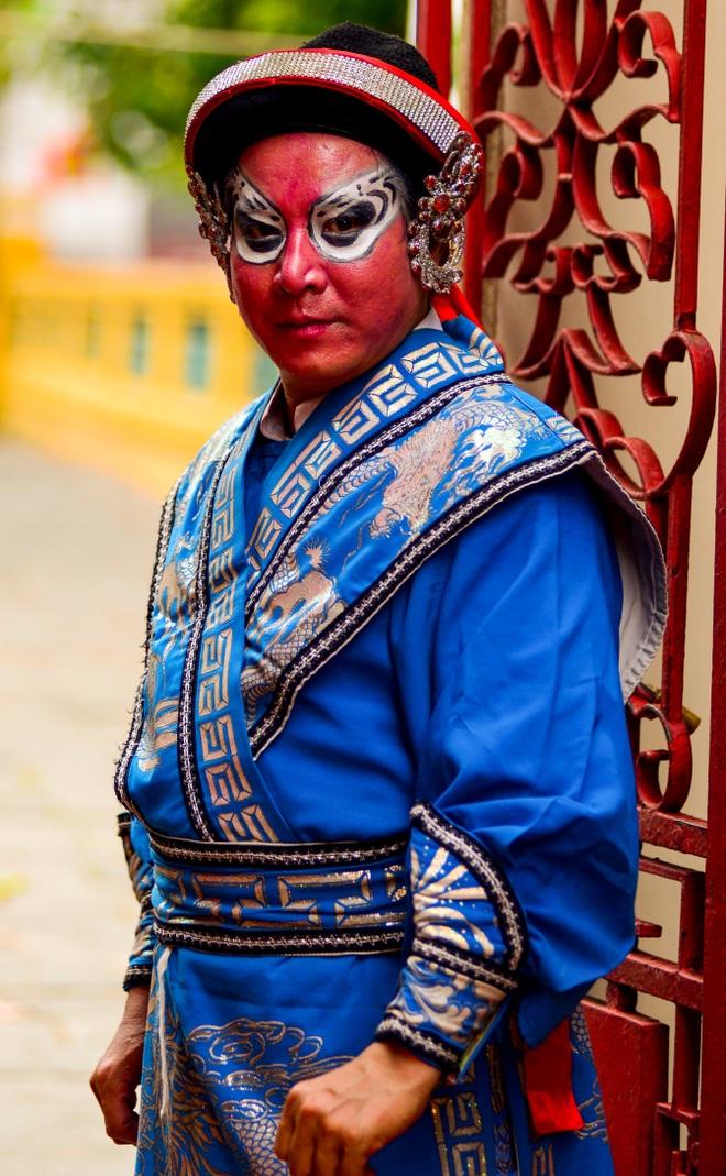Hình ảnh cuộc sống những nghệ sĩ nặng lòng với nghề hát bội ở Sài Gòn - 7