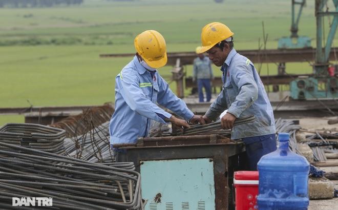 Nguyên nhân bất ngờ khiến cầu nối Hà Nội – Bắc Giang có thể đắp chiếu - 5