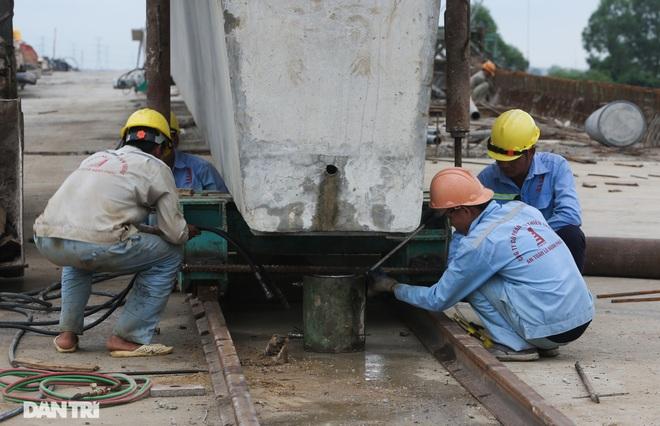 Nguyên nhân bất ngờ khiến cầu nối Hà Nội – Bắc Giang có thể đắp chiếu - 6