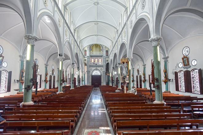Đền Thánh Sa Châu - nhà thờ Nam Định đẹp uy nghi như ở trời Âu - 10
