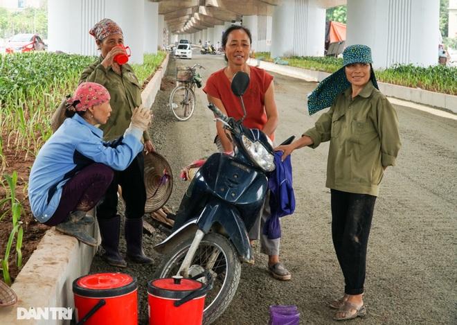 Diện mạo cầu vượt thấp qua hồ Linh Đàm một ngày trước khi khánh thành - 10
