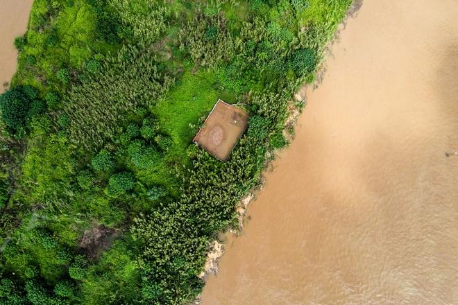 Cảnh hồ thủy điện xả lũ lớn, nước cuộn sóng nhấn chìm bãi giữa sông Hồng - 5