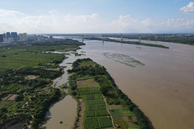 Cảnh hồ thủy điện xả lũ lớn, nước cuộn sóng nhấn chìm bãi giữa sông Hồng - 15