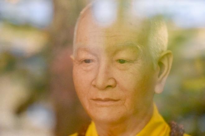 """Bức tượng giống """"người thật"""", từng bị đòi xem hộ chiếu ở ngôi chùa 600 tuổi - 6"""