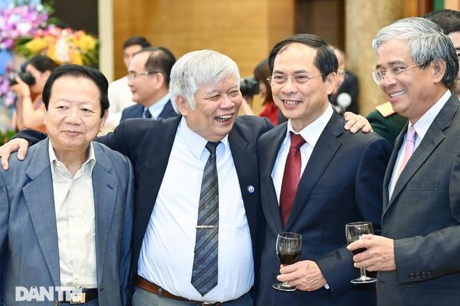 Cuộc gặp của những người xây nền móng cho 25 năm quan hệ Việt Nam - Hoa Kỳ - 9