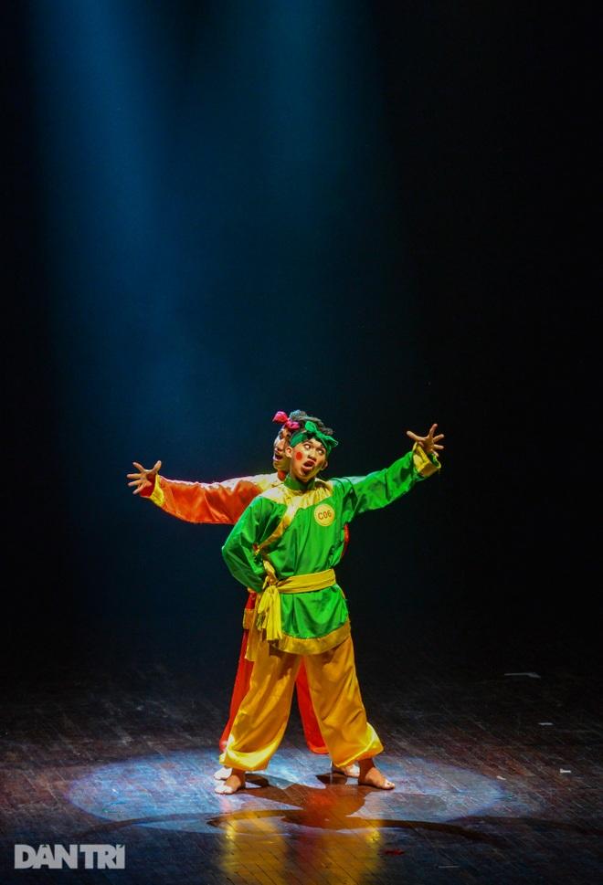 """""""Súy Vân"""", """"Hề chèo"""" thu hút người xem đêm diễn Tài năng múa - 9"""