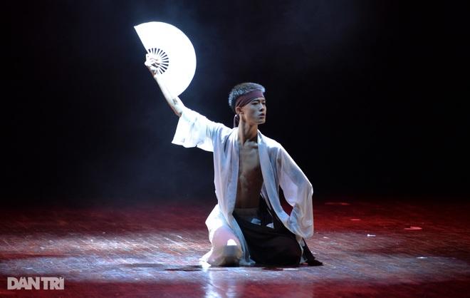 """""""Súy Vân"""", """"Hề chèo"""" thu hút người xem đêm diễn Tài năng múa - 13"""