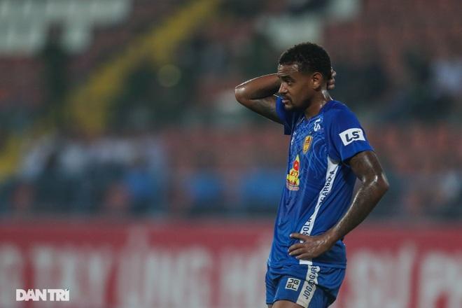 Thắng áp đảo nhưng CLB Quảng Nam vẫn phải xuống hạng, các cầu thủ bật khóc - 21