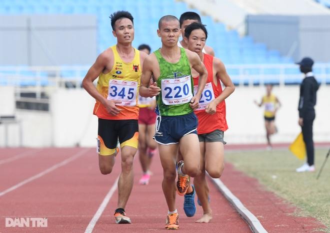 """""""Nữ hoàng điền kinh"""" Nguyễn Thị Huyền bất ngờ về nhì ở giải quốc nội - 3"""