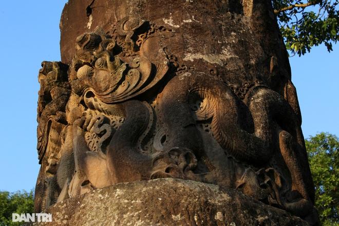 Bí ẩn cột đá nghìn năm tuổi bên sườn núi Đại Lãm, Bắc Ninh - 9