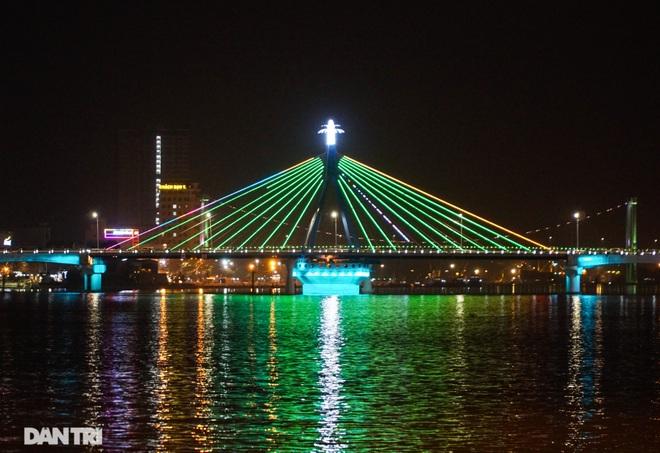 Chiêm ngưỡng 4 cây cầu ấn tượng nối đôi bờ sông Hàn ở Đà Nẵng - 13