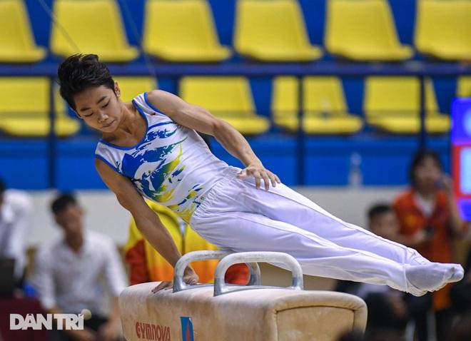 Mãn nhãn với những màn biểu diễn thể dục dụng cụ tại giải quốc gia - 4