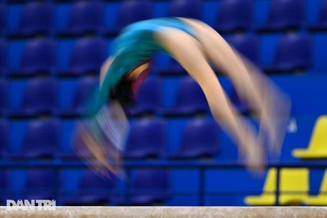 Mãn nhãn với những màn biểu diễn thể dục dụng cụ tại giải quốc gia - 10