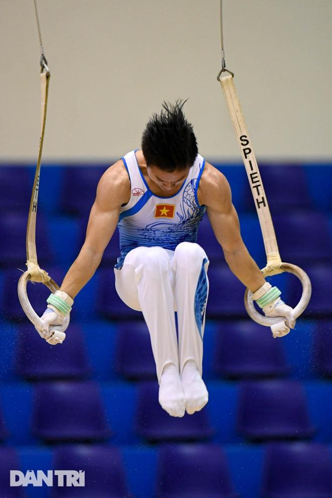 Mãn nhãn với những màn biểu diễn thể dục dụng cụ tại giải quốc gia - 8