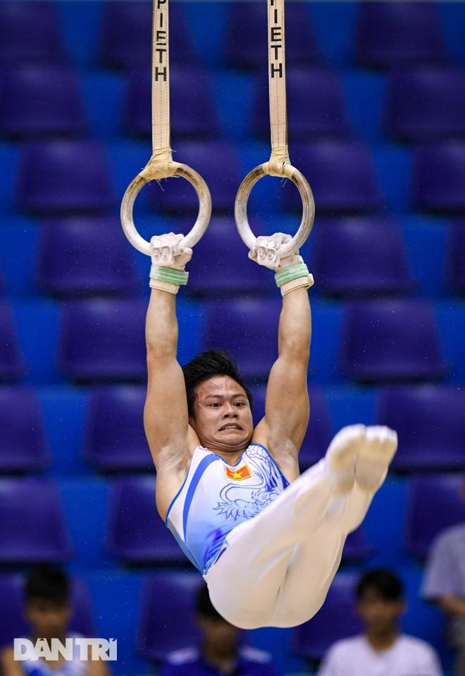 Mãn nhãn với những màn biểu diễn thể dục dụng cụ tại giải quốc gia - 5