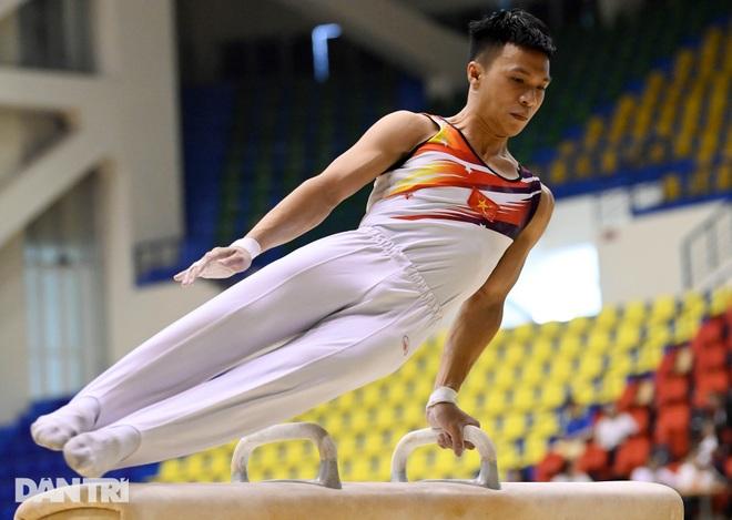 Mãn nhãn với những màn biểu diễn thể dục dụng cụ tại giải quốc gia - 3