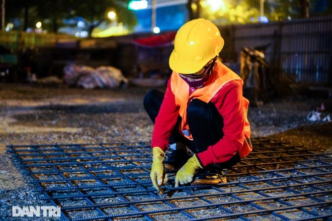 Xén dải phân cách đường Lê Văn Lương chuẩn bị đào hầm chui 700 tỷ đồng - 8