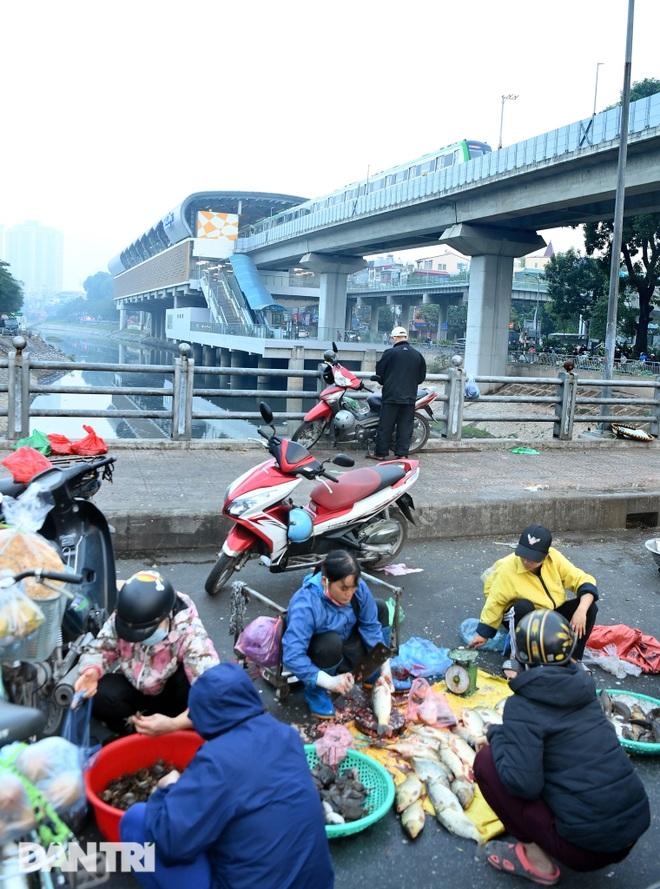 Toàn cảnh 9 đoàn tàu đường sắt Cát Linh - Hà Đông băng băng qua các nhà ga - 11