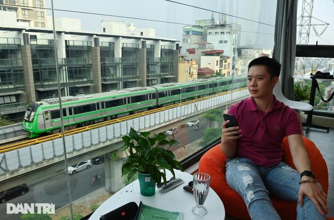 Toàn cảnh 9 đoàn tàu đường sắt Cát Linh - Hà Đông băng băng qua các nhà ga - 15