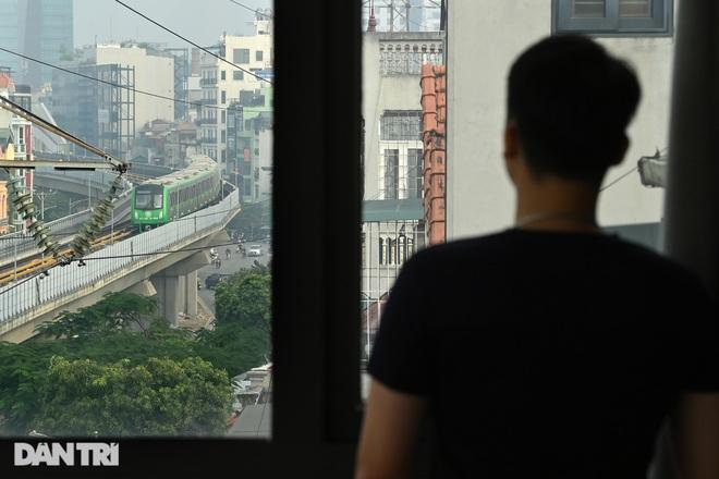 Toàn cảnh 9 đoàn tàu đường sắt Cát Linh - Hà Đông băng băng qua các nhà ga - 17