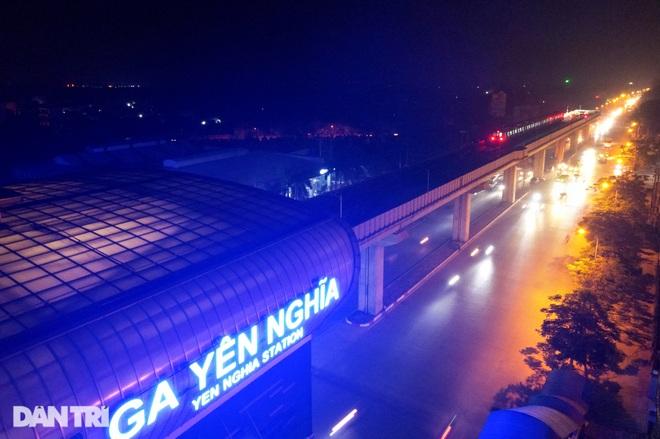 Toàn cảnh 9 đoàn tàu đường sắt Cát Linh - Hà Đông băng băng qua các nhà ga - 4