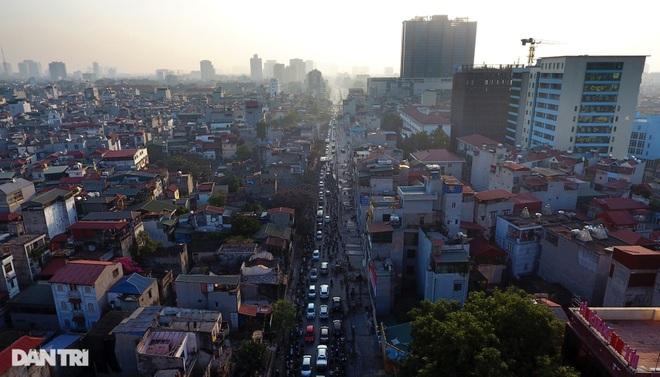Cảnh giao thông đối lập ở đường Trường Chinh sau 3 năm - 2