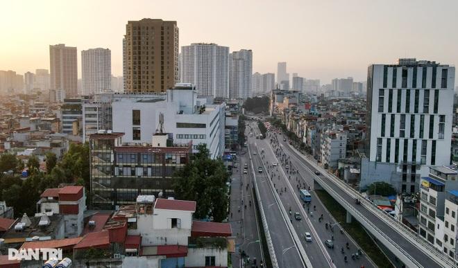 Cảnh giao thông đối lập ở đường Trường Chinh sau 3 năm - 15